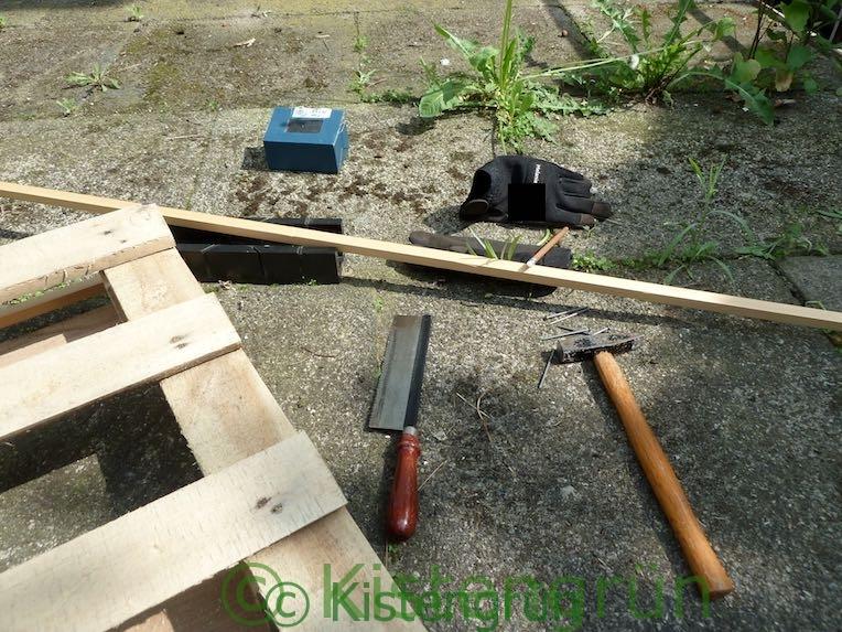 Material und Werkzeug für das Hochbeet
