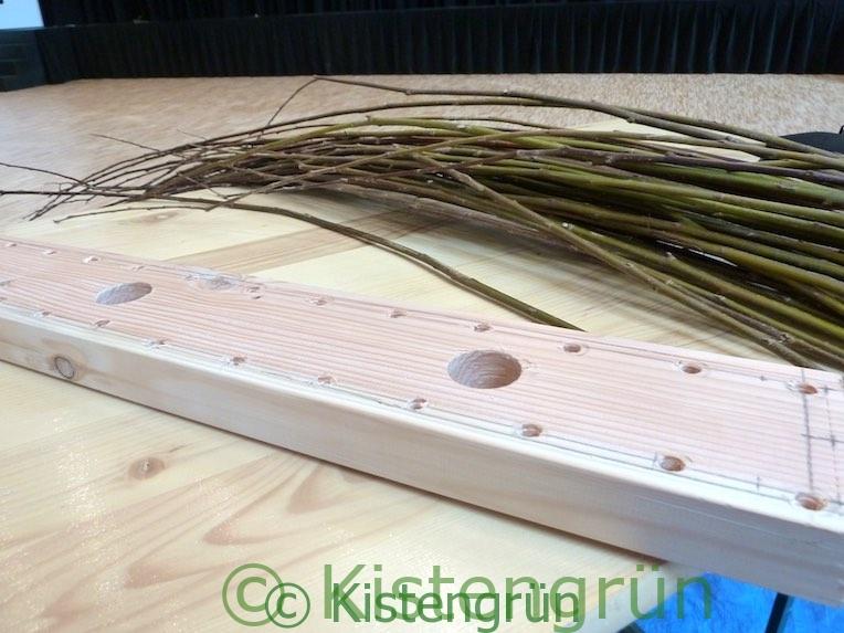 Material für einen Blumenkasten aus Weide