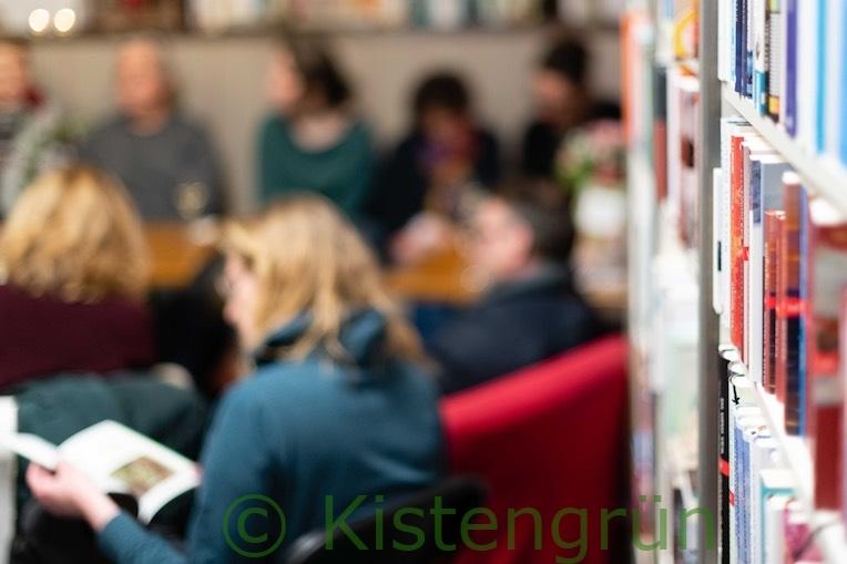 Gäste bei der Buchpremiere Mein Stadtbalkon mit Melanie Öhlenbach