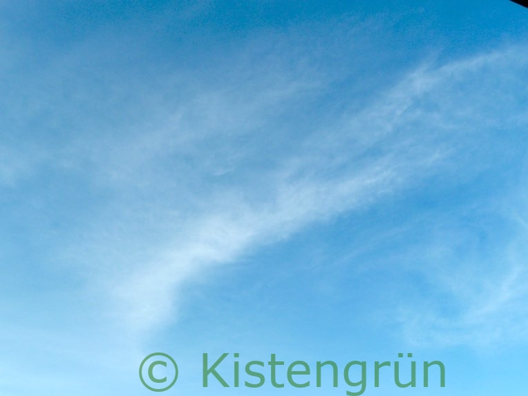 Blauer Winter Himmel im Januar
